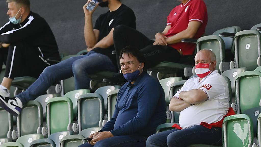 Sions Präsident Christian Constantin blickt gebannt auf den Abstiegskampf - seiner Mannschaft bietet sich am Mittwoch eine gute Chance