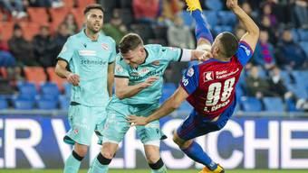 Sieht ganz gut aus, bringt aber nicht viel: Arthur Cabral setzt gegen den FC Thun zum Seitfallzieher an, trifft das Tor aber nicht.