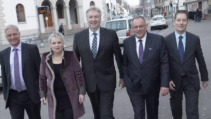 Die bürgerliche Allianz half ihm nicht: Eduard Rutschmann (2. von rechts) ist wieder nicht im Gemeinderat.