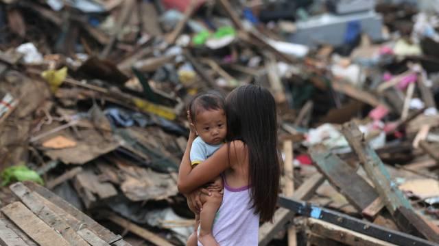 Nichts steht mehr in der vom Taifun heimgesuchten Stadt Tacloban