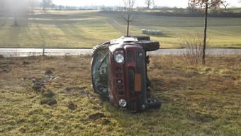 Das Auto überschlug sich, der Fahrer blieb aber unverletzt.