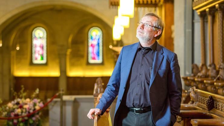 «Jede Nächstenliebe ist endlich», sagt Grossmünster-Pfarrer Christoph Sigrist. Seit 15 Jahren predigt er in der grössten Kirche der Stadt Zürich.