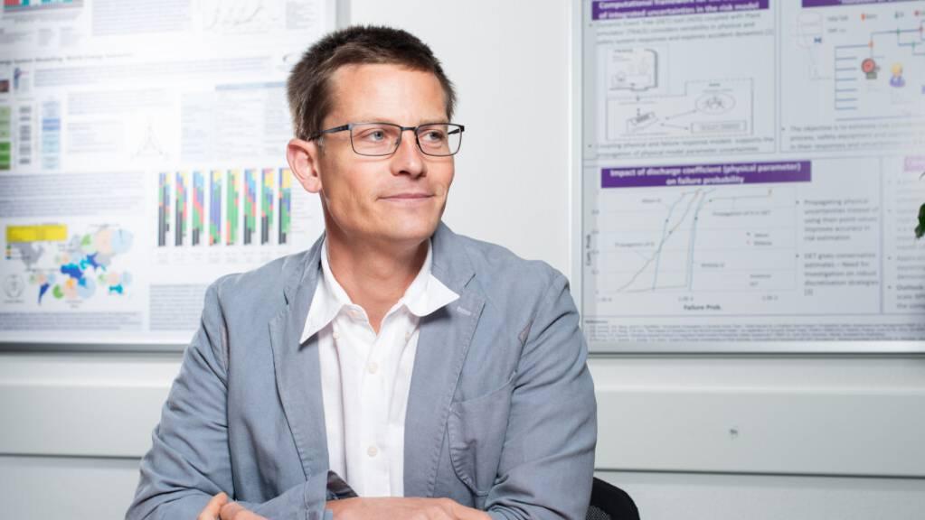 Tom Kober, Leiter der Gruppe Energiewirtschaft Labor für Energiesystemanalysen am Paul Scherrer Institut, erforscht mit Kolleginnen und Kollegen aus zehn Institutionen, wie die Energieversorgung in der Schweiz sicher und nachhaltig bleiben kann.