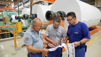 Die Fabrik geht zu. Die Mitarbeiter der «Papieri» haben vergebens um «ihre» Fabrik und ihren Arbeitsplatz gebangt (Archiv)