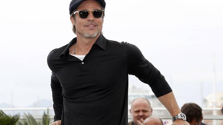 """Er trage jederzeit das passende Outfit, findet das Magazin """"GQ"""": Schauspieler Brad Pitt, hier am Filmfestival in Cannes im Mai."""