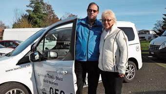 Kurt Stutz mit Ehefrau Silvia blickt besorgt in die Zukunft seines Wohler Taxiunternehmens.