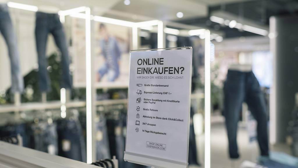 Immer weniger Konsumenten gehen laut Studie im Laden einkaufen