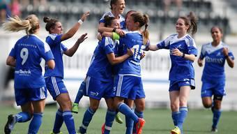 Grosser Jubel bei den Frauen von Neunkirch nach dem ersten Meistertitel
