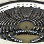 Wer wird im EU-Parlament künftig mit wem zusammenspannen? Die Mehrheitsfindung wird nach der EU jedenfalls deutlich schwieriger. (Archiv)