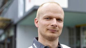 Thomas Büeler reiste als Nothilfelogistiker für das Schweizerische Rote Kreuz (SRK) unter anderem in die Erdbebengebiete in L'Aquila (2009) und in Haiti (2010).