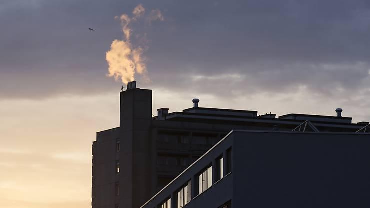Der Bundesrat will den Ausstoss von Treibhausgasen bis 2030 gegenüber 1990 halbieren. (Symbolbild)