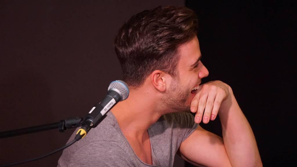 Ufsteller überrascht Luca Hänni