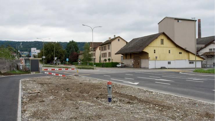 Lange tat sich auf dieser Seite der Engstringerstrasse nichts, während auf der anderen beispielsweise das Sony-Gebäude erstellt wurde. Der Rückbau der Geistlich-Gebäude markiert den Startschuss für die gleichnamige Überbauung – auf den Fotos von 2020 werden sie fertiggestellt sein.