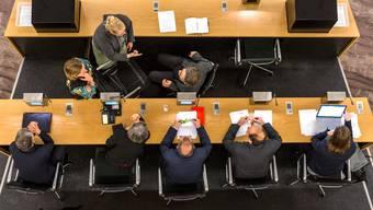 Das Instrument der Schuldenbremse trennt die Parteien im Aarauer Einwohnerrat. (Archiv)