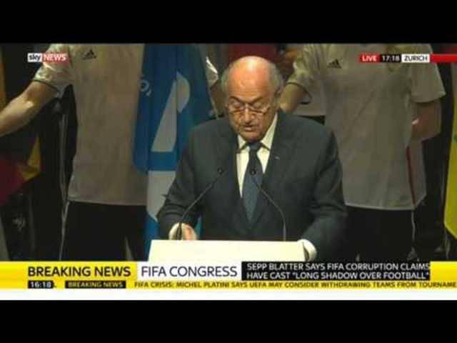 Die meisten seiner Reden hält der Ex-FIFA-Chef auf Französisch. Nach diesem Video ist klar, wieso ...