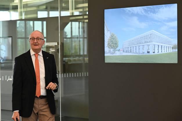 Jura-Chef Emanuel Probst präsentiert das Neubau-Projekt.