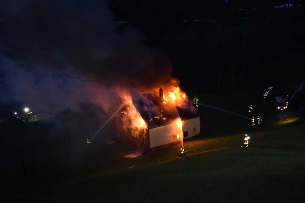 Bilder vom Brand (© Kapo SG)