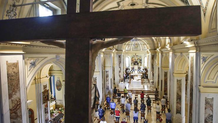 Die Kirchen in Italien wie hier in Guissano dürfen ab dem 18. Mai wieder Gottesdienste mit Gläubigen feiern. Foto: Luca Bruno/AP/dpa