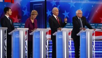 Demokratische Präsidentschaftskandidaten von links nach rechts: Pete Buttigieg, Elizabeth Warren, Joe Biden und Bernie Sanders. (Bildquelle: AP/Keystone)