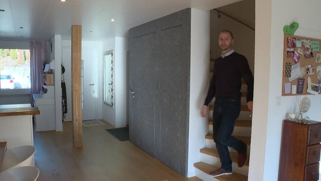 Viel Holz und Geschichte: Thomas zeigt sein «Dihei»
