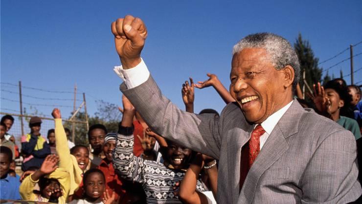 Nelson Mandela wird Südafrikas erster schwarzer Präsident: 25 Jahre danach sind viele alte Probleme zurückgekehrt. Getty