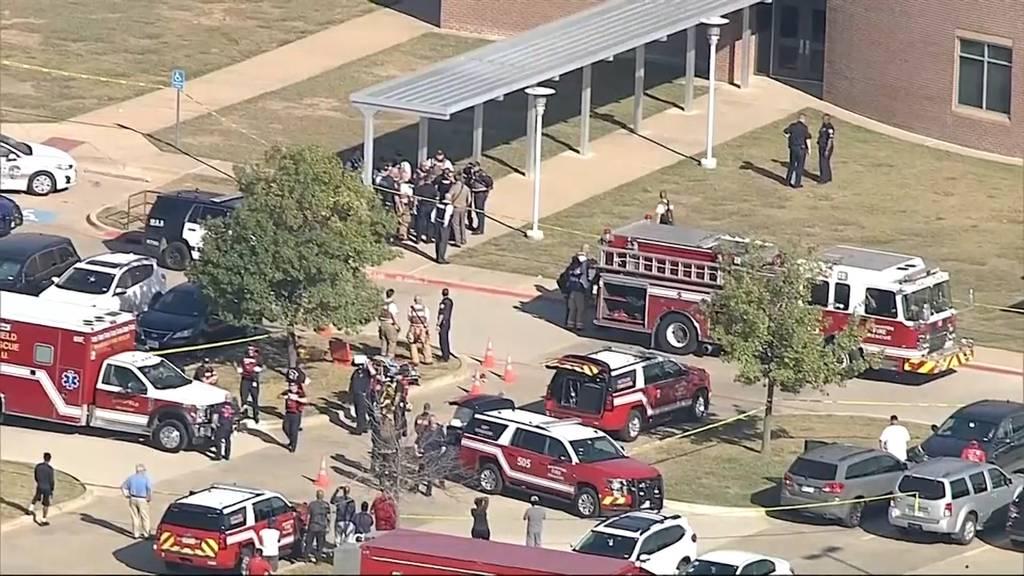 Vier Verletzte: Schütze eröffnet Feuer an Schule in Texas