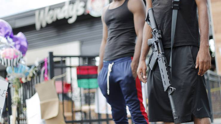 400 Millionen Schusswaffen gibt es schätzungsweise in Amerika. Ein Grund für die steigende Mordrate?
