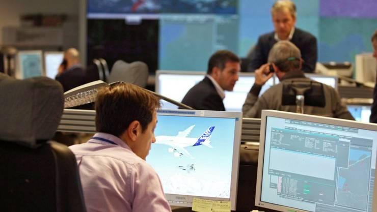 Die europäische Flugsicherheitsbehörde Eurocontrol warnt Fluggesellschaften vor möglichen Raketen im Ost-Mittelmeer im Zusammenhang mit einem möglichen Angriff auf Syrien.
