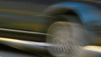 Das Dietiker Bezirksgericht hat einen Autofahrer wegen fahrlässiger Verletzung von Verkehrsregeln verurteilt.