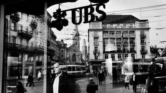 Lange lebten die Schweizer Banken (hier der UBS-Hauptsitz am Zürcher Paradeplatz) gut vom Geschäft mit unversteuertem Geld. Foto: Mark Henley