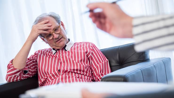 Ein Systemwechsel bei der psychologischen Behandlung könnte für die Patienten und für die Wirtschaft Vorteile haben, sagt eine Studie.