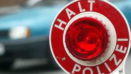 14-jähriger Autolenker baut Selbstunfall