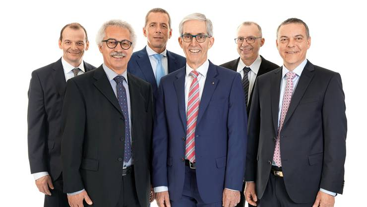 Alte und neue Geschäftsleitung gemeinsam von links: Silvio Bondt, Hans-Jörg Scheiwiller, Beat Erne, Norbert Caspar, Rolf Hess und Roland Bolliger.