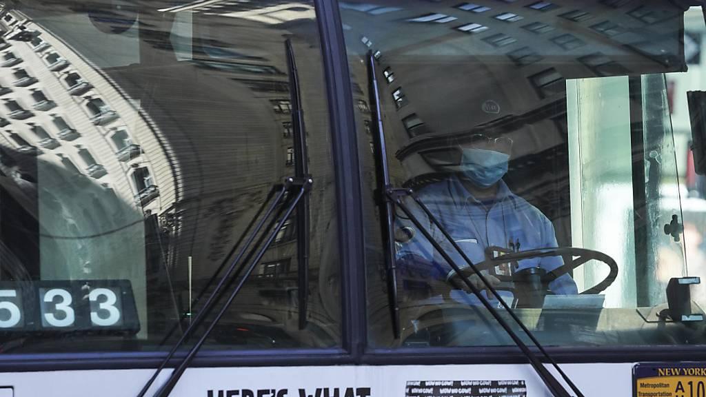 New York: Impfung oder Tests für Mitarbeiter der Verkehrsbetriebe