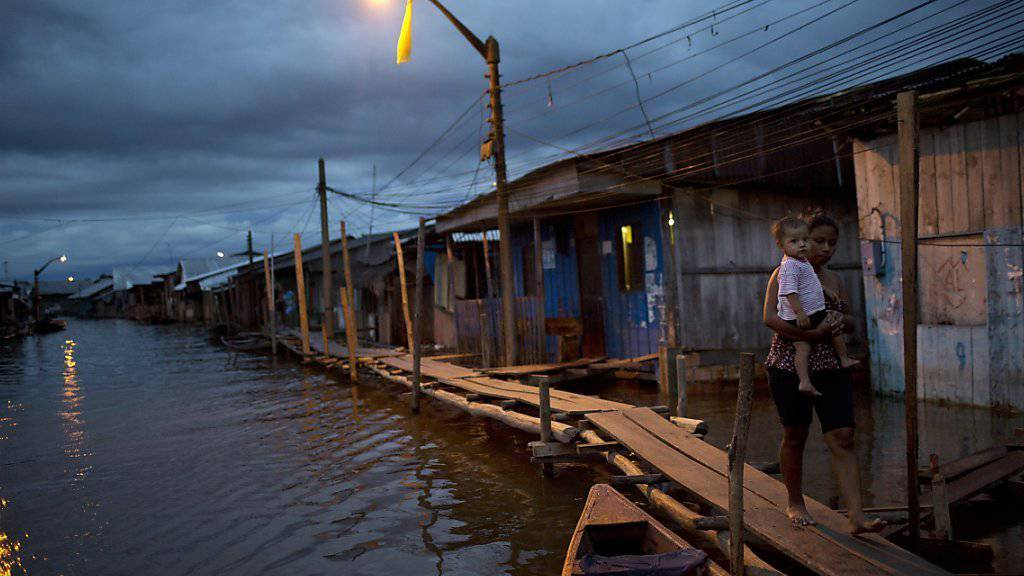 """""""Venedig des Dschungels"""": In der peruanischen Stadt Iquitos hat es auf einem Touristenschiff gebrannt. (Symbolbild)"""