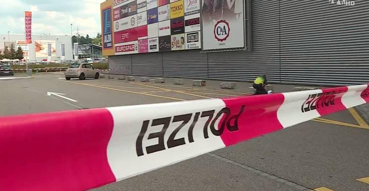 Der Tatort - der Parkplatz beim Haupteingang des Oftringer Einkaufscenters a1
