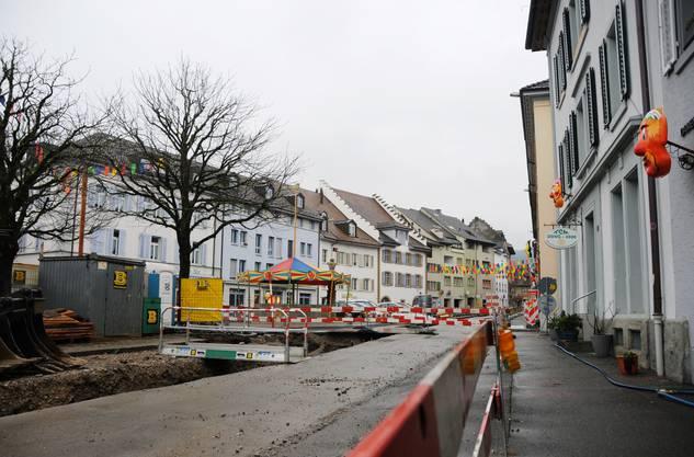 """Am Mittwoch, 25. Januar, wurden die Bauarbeiten eingestellt. """"Die zunehmend sinkenden Temperaturen verhindern die Arbeiten im pendenten Bauperimeter, da der Boden mittlerweile bis 40cm tief gefroren ist"""", teilte die Gemeinde Klingnau mit."""