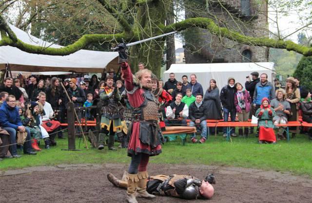 Trotz nassem Wetter lockte das Mittelalter Spektakel viele Gäste an