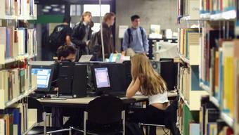 Pauken ohne Erfolg: 22 Prozent der Basler Studenten schaffen keinen Abschluss.