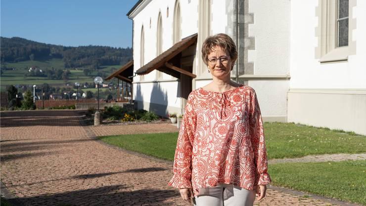 Ursina Bezzola ist seit 21 Jahren Pfarrerin in der reformierten Kirche Reinach-Leimbach und deckt das Neudorf ab.