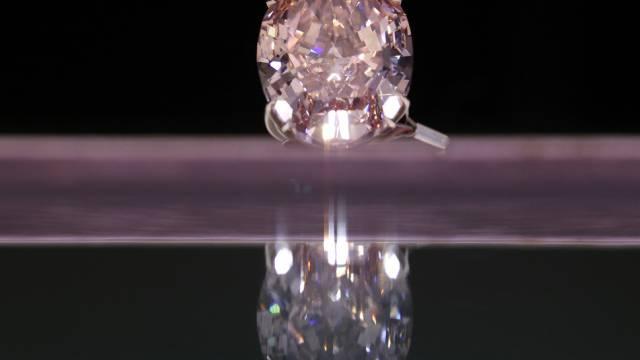Für pinkfarbene Diamanten werden Rekordsummen bezahlt