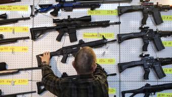 Waffenverkäufe sind im Vergleich zu Vorjahr mit 420 Milliarden US-Dollar um 4,6 Prozent gestiegen.