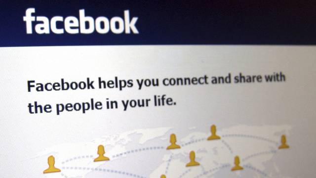 """Auf Facebook hatte der verurteilte Gymnasiast seine """"Freunde"""" bedroht. Die Verurteilung akzeptiert er aber nicht. (Symbolbild)"""
