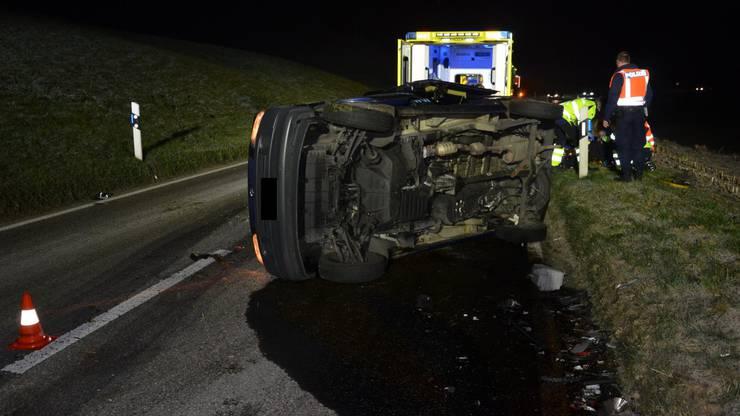 Wegen Eisglätte verlor ein Autofahrer die Kontrolle über sein Auto.