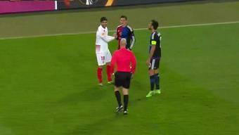 Taulant Xhaka beweist im Spiel gegen Sevilla Manieren.