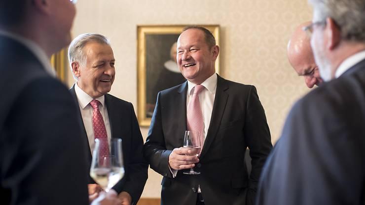 Nationalratspräsident Jürg Stahl (Mitte) hat seine Amtskollegen der deutschsprachigen Parlamente in Winterthur zu einer zweitägigen Konferenz begrüsst.