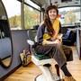Vom Flughafenbus zum Coiffeur-Salon: Im Basler Hafen-Areal erfüllte Céline Wintenberger ihren Traum.