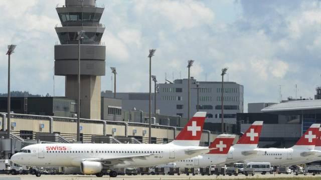 Tower am Flughafen Zürich: Am 15. März 2011 wäre es beinahe zur Katastrophe gekommen.