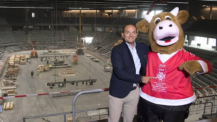 WM-Chef Gian Gilli und Maskottchen Cooly können (ein wenig) lächeln: Kein finanzieller Schaden trotz WM-Absage
