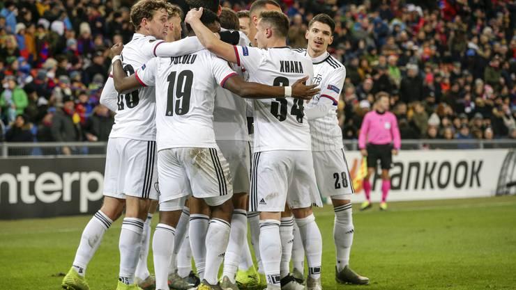 Der FC Basel beendet die Europa-League-Gruppenphase mit einem 2:0-Sieg.